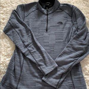 North Face • half zip hoodie • L